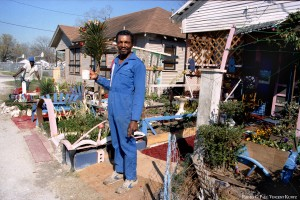 Cleveland Turner outside his home - Roosevelt Gunnie in background - 1986